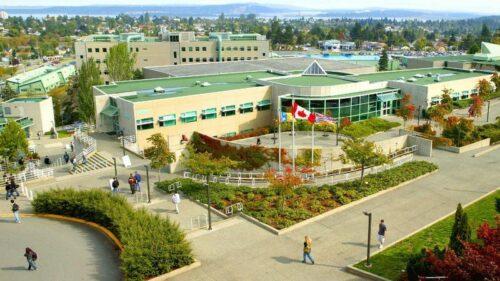 温哥华岛大学 - 纳奈莫温哥华岛大学 2021-2022学年
