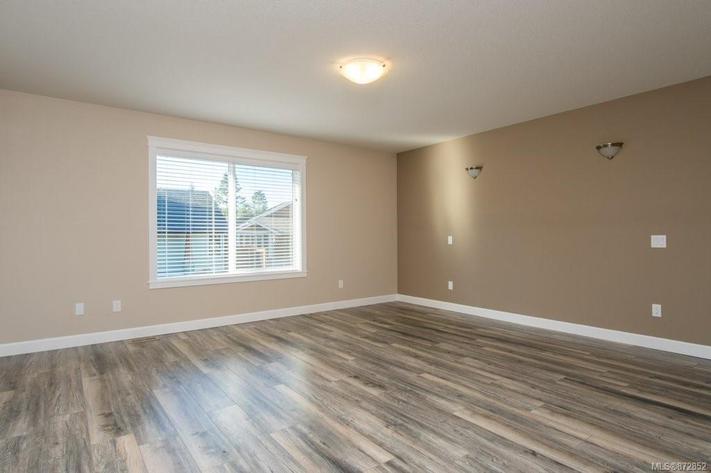 - Just Sold! 3823 Jingle Pot Rd Nanaimo 2021年全新品质独立屋,交通便利,背靠公园
