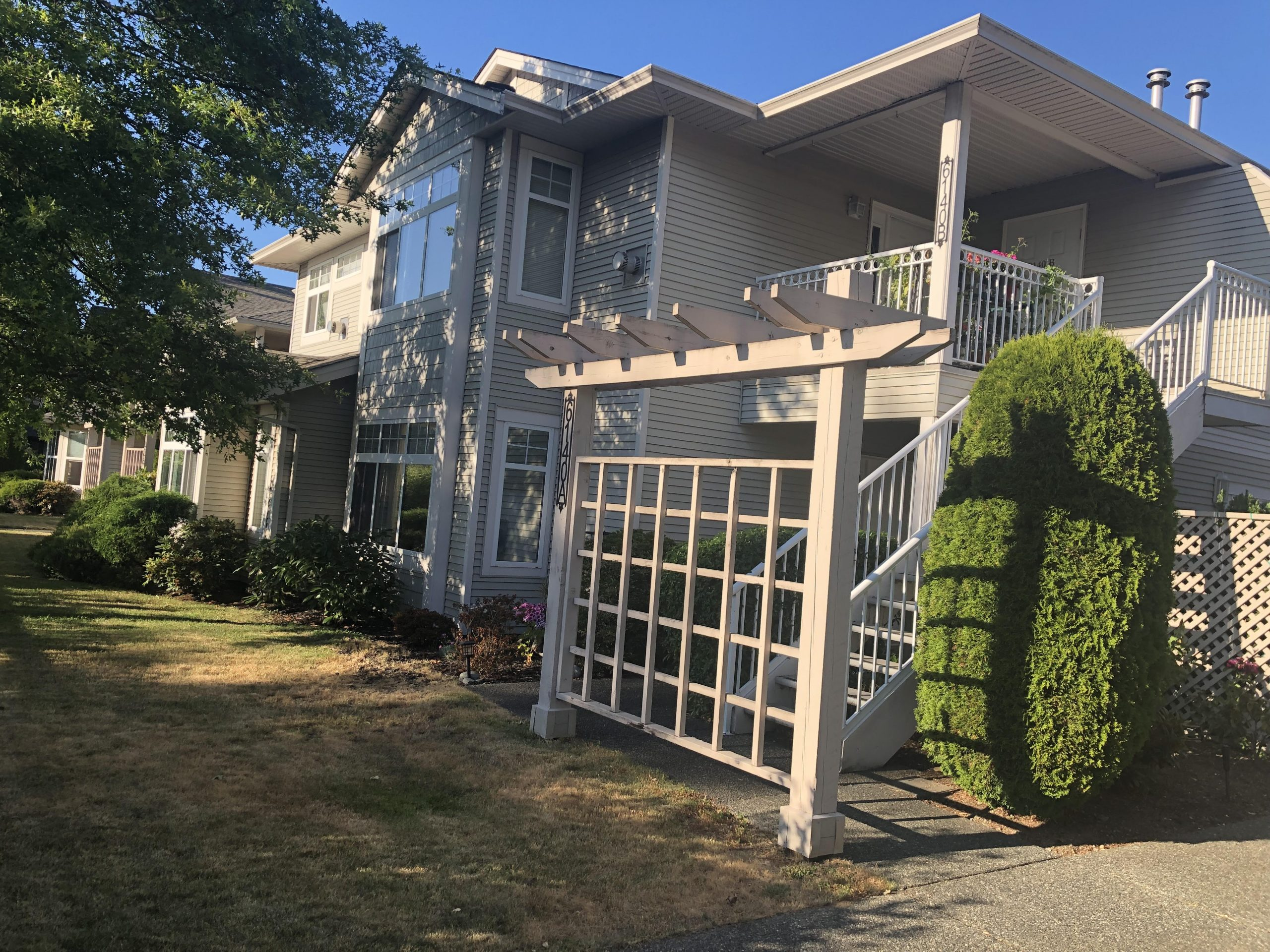 Nanaimo学区房 - 最新上市!最新推出纳奈莫北区重点中学Dover Bay附近精美Townhouse
