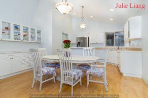 - Qualicum Beach 五英亩大地住宅最新上市